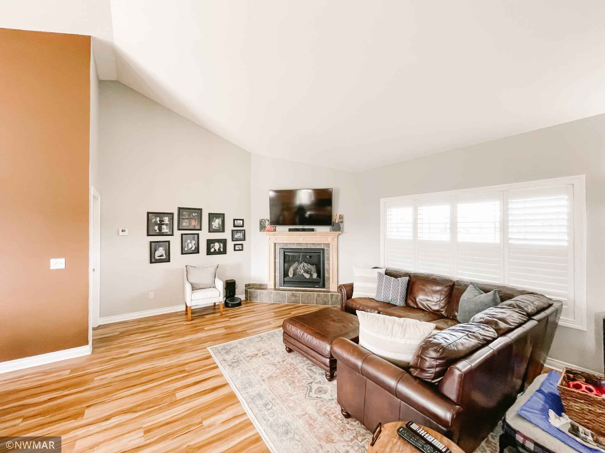 View 31 photos of this 3 bed, 2 bath, and 1,952 sqft. single_family home located at 1320 Whiting Rd NW Unit 113, Bemidji, Minnesota 56601 is Active for $289,900.
