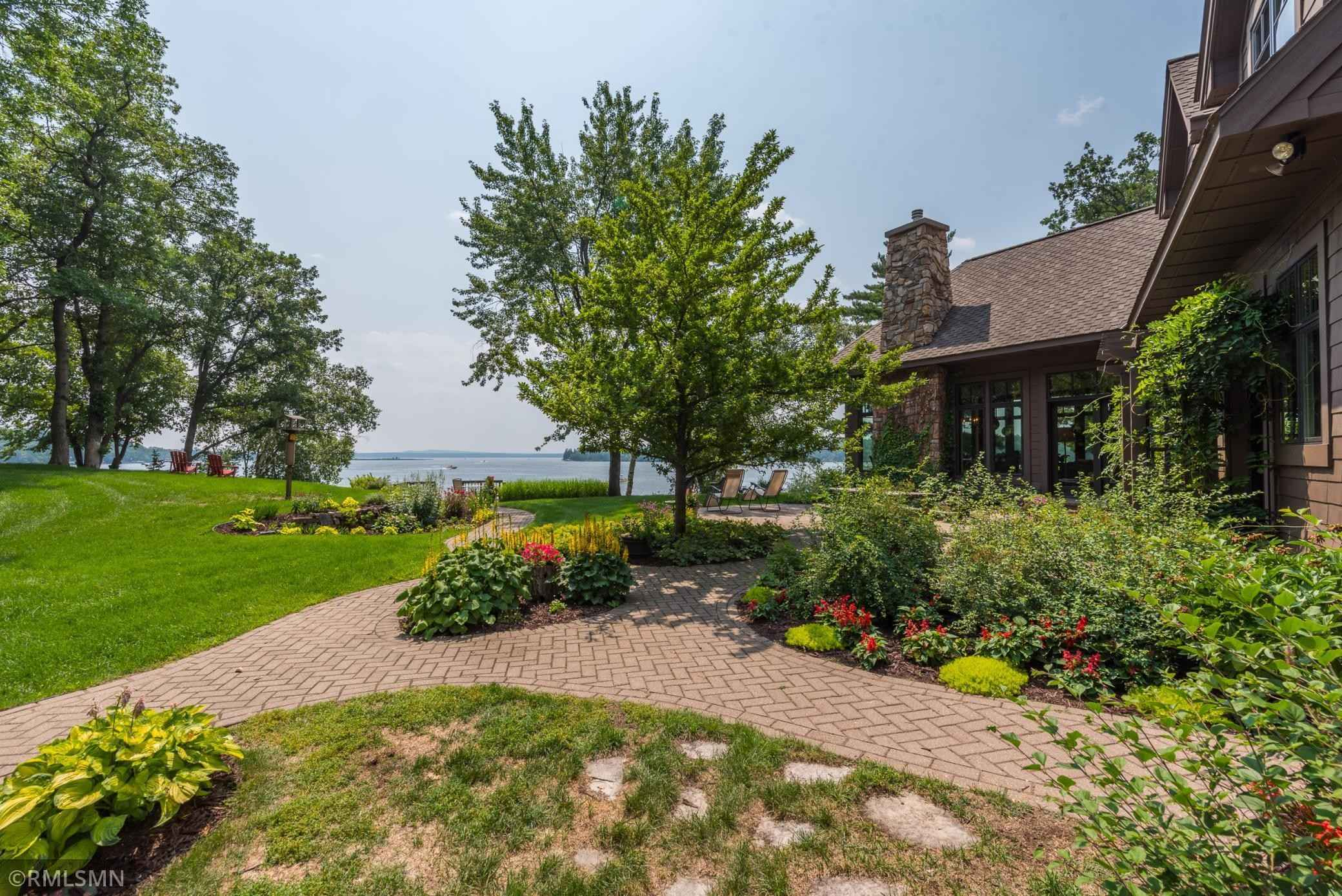 View 59 photos of this 5 bed, 6 bath, and 8,145 sqft. single_family home located at 1047 Miller Ln, Nisswa, Minnesota 56468 is Active for $3,200,000.