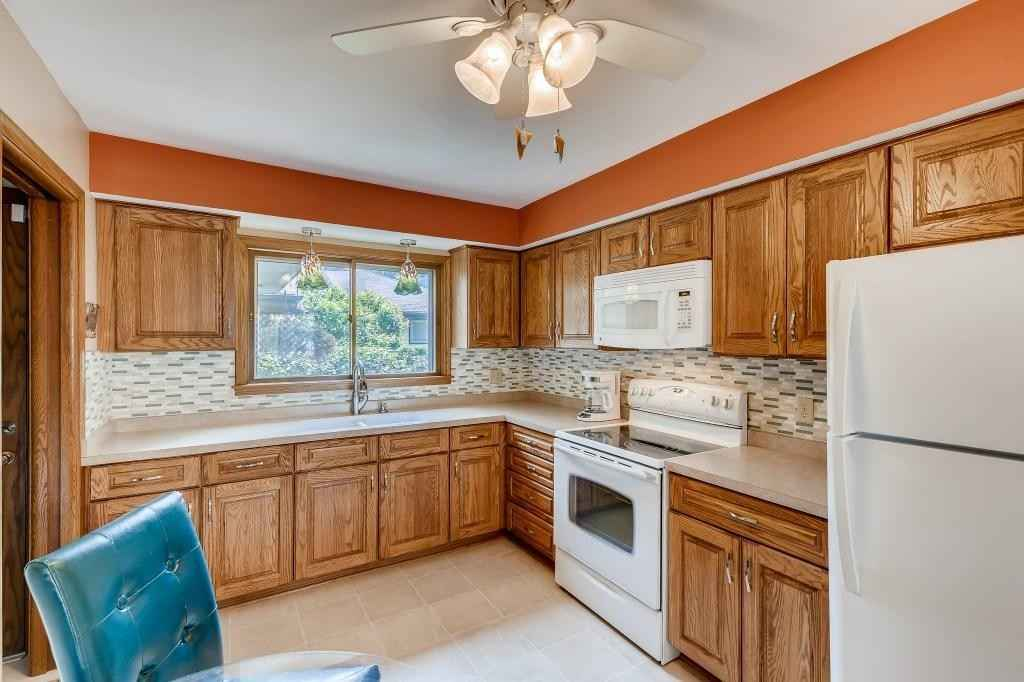 View 24 photos of this 2 bed, 2 bath, and 1,377 sqft. single_family home located at 1590 Suburban Ave, Saint Paul, Minnesota 55106 is Active for $215,000.