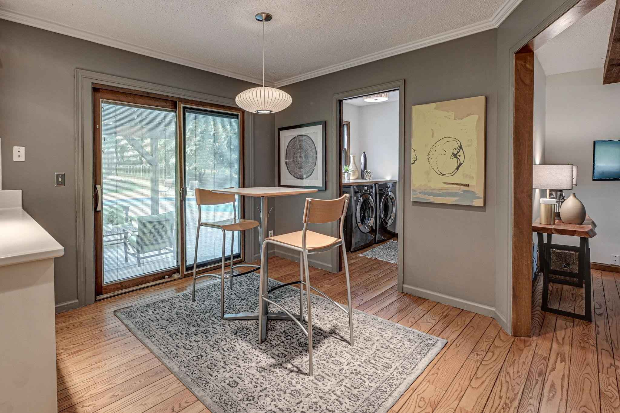 View 59 photos of this 4 bed, 4 bath, and 3,436 sqft. single_family home located at 333 Oday St S, Maplewood, Minnesota 55119 is Pending for $439,900.