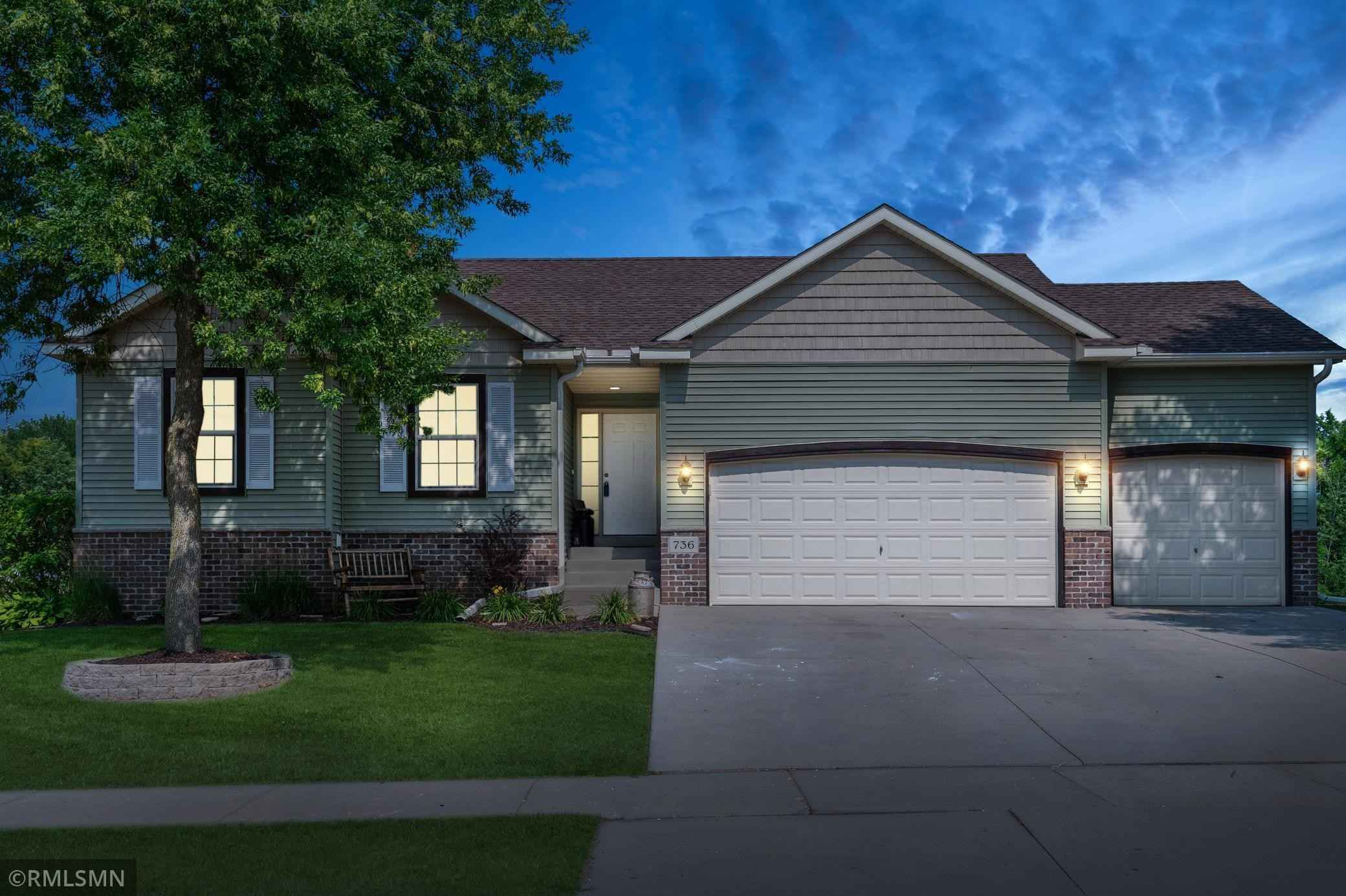 View 27 photos of this 4 bed, 2 bath, and 1,980 sqft. single_family home located at 736 Brook Cir E, Montrose, Minnesota 55363 is Pending for $307,500.