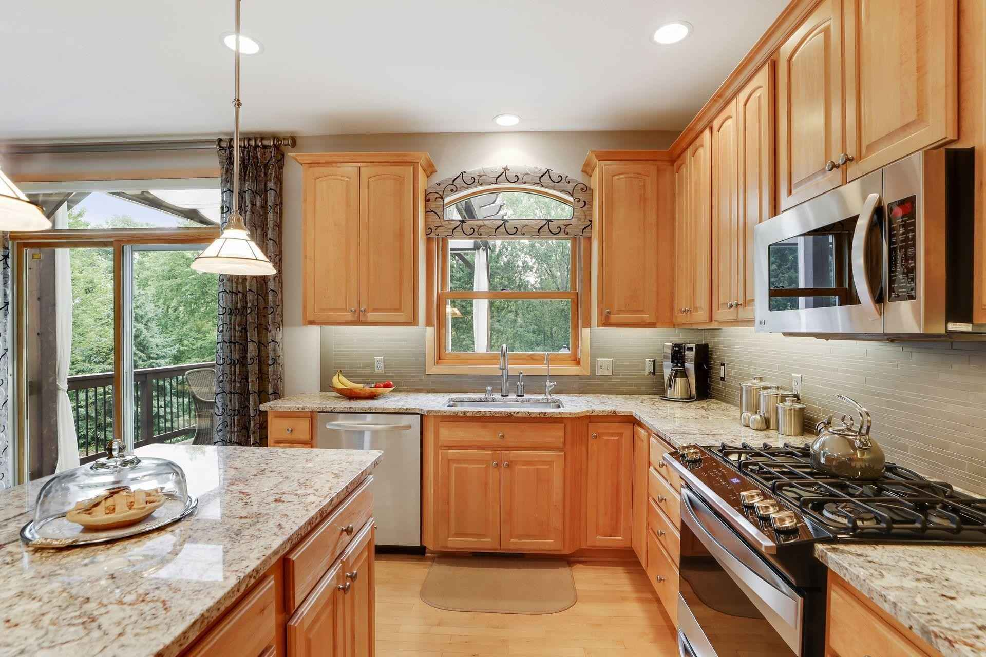 View 67 photos of this 4 bed, 4 bath, and 3,814 sqft. single_family home located at 8003 Marsh Creek Rd, Woodbury, Minnesota 55125 is Pending for $685,000.