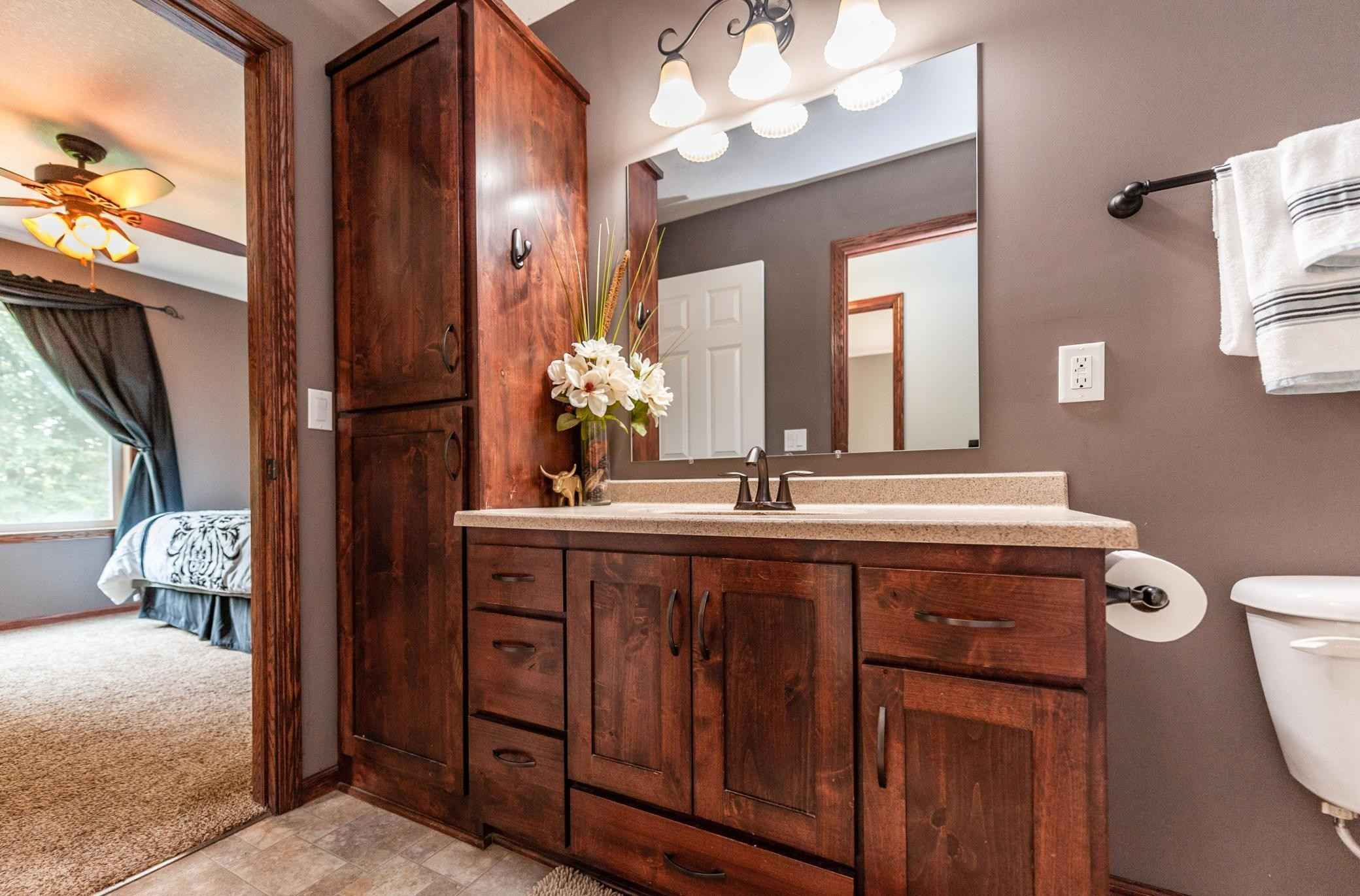 View 48 photos of this 3 bed, 2 bath, and 2,284 sqft. single_family home located at 21315 Quapaw St NW, Oak Grove, Minnesota 55303 is Pending for $419,900.