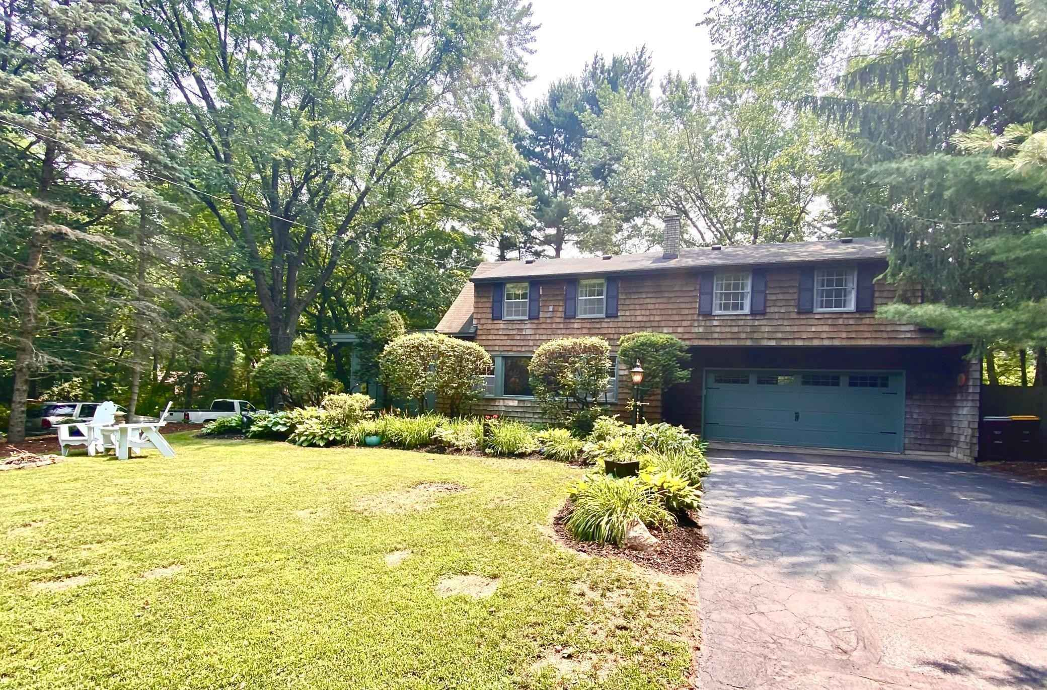 View 57 photos of this 4 bed, 2 bath, and 2,180 sqft. single_family home located at 2460 Quebec Ave S, Lakeland, Minnesota 55043 is Active for $349,900.