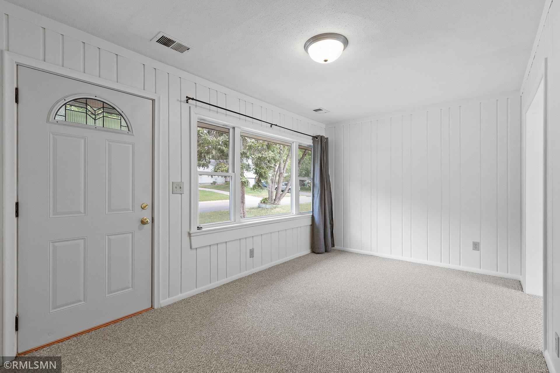 View 30 photos of this 2 bed, 1 bath, and 867 sqft. single_family home located at 564 Janesville St NE, Fridley, Minnesota 55432 is Active for $225,000.