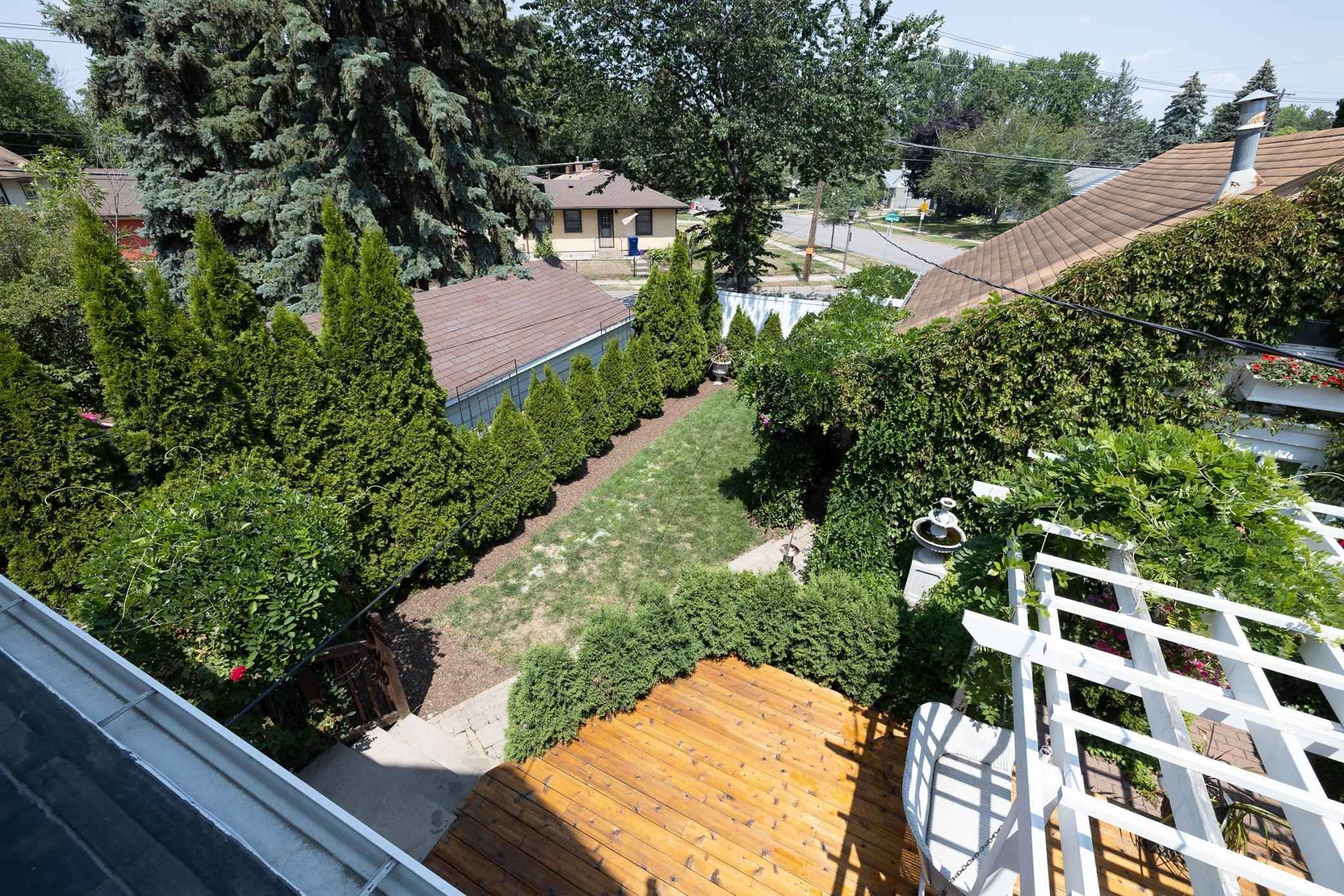 View 62 photos of this 3 bed, 2 bath, and 1,600 sqft. single_family home located at 783 Como Ave, Saint Paul, Minnesota 55103 is Active for $350,000.