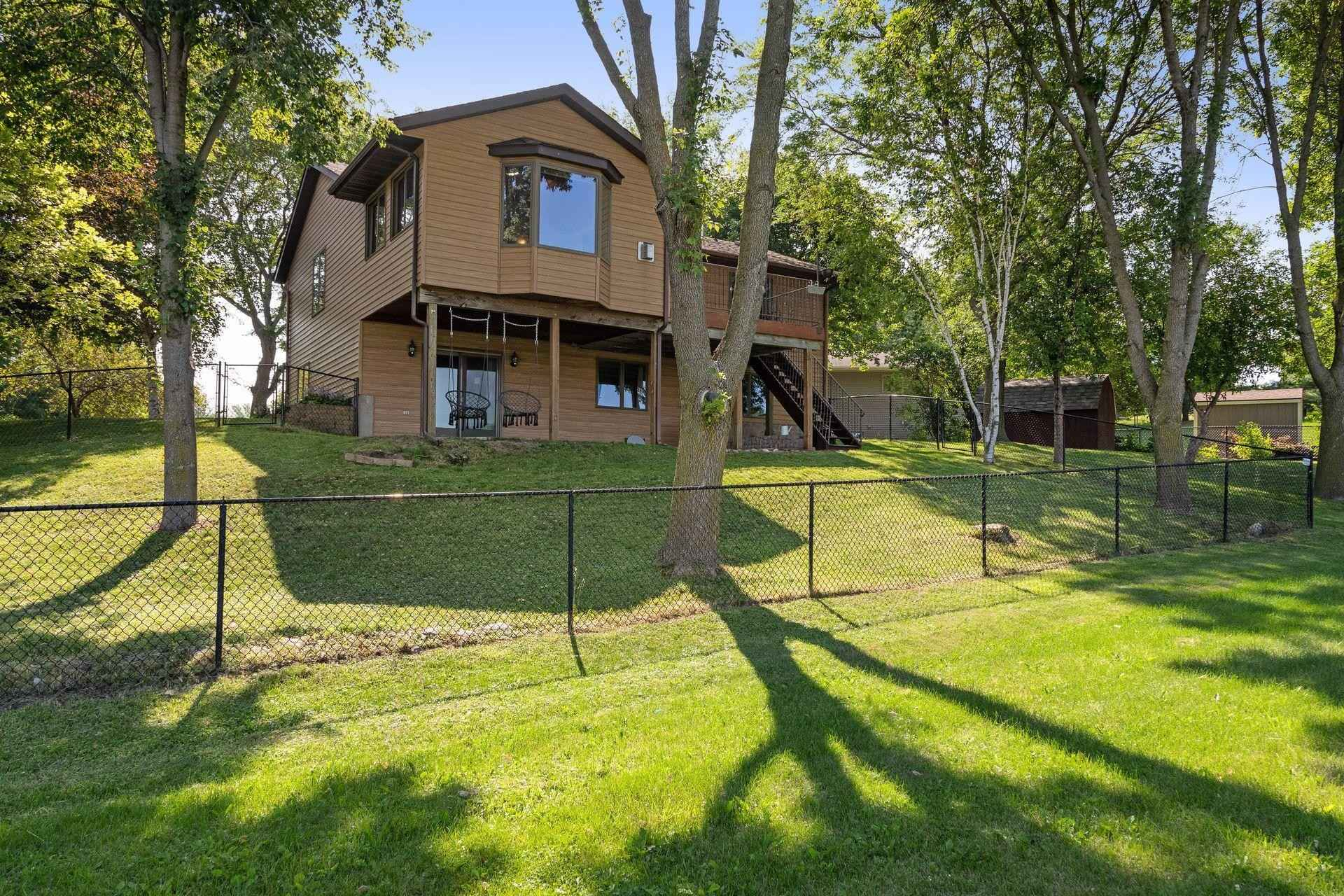 View 45 photos of this 4 bed, 2 bath, and 2,793 sqft. single_family home located at 308 6th St NE, New Prague, Minnesota 56071 is Pending for $309,900.