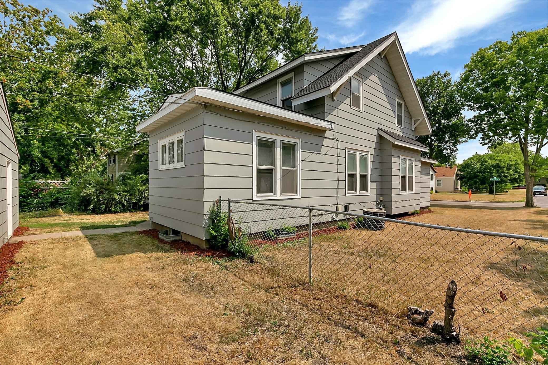 View 32 photos of this 5 bed, 2 bath, and 1,752 sqft. single_family home located at 429 29th Ave N, Saint Cloud, Minnesota 56303 is Pending for $125,000.