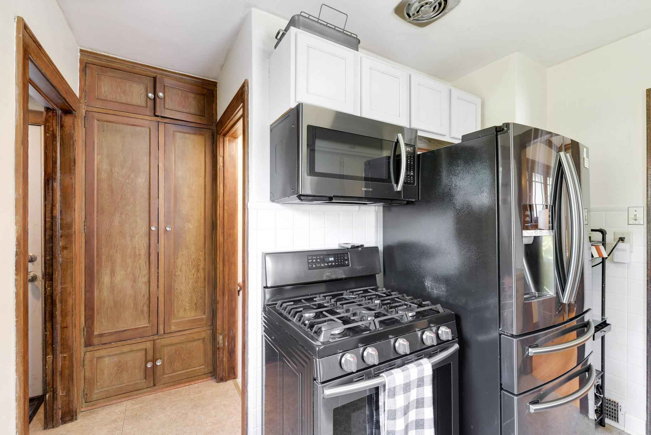 View 26 photos of this 5 bed, 3 bath, and 1,868 sqft. single_family home located at 1267 Hubbard Ave, Saint Paul, Minnesota 55104 is Active for $319,900.