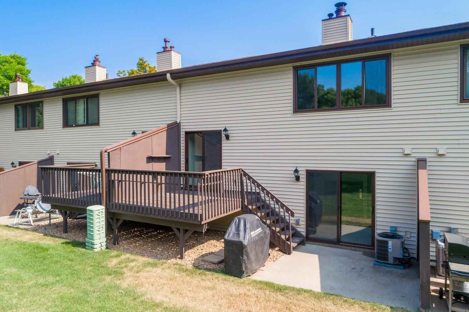 View 22 photos of this 2 bed, 1 bath, and 1,268 sqft. condo home located at 8541 Maplebrook Pkwy N, Brooklyn Park, Minnesota 55445 is Pending for $187,500.
