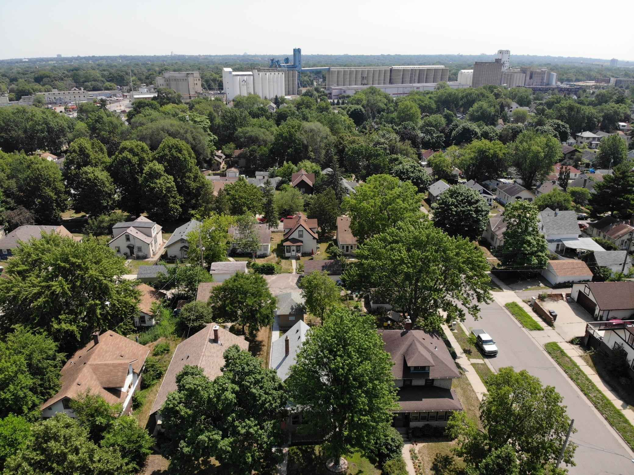 View 23 photos of this 2 bed, 1 bath, and 1,351 sqft. single_family home located at 3551 24th Ave S, Minneapolis, Minnesota 55406 is Active for $275,000.