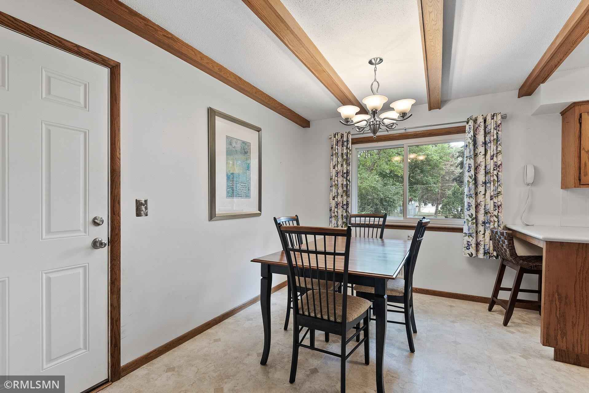 View 20 photos of this 3 bed, 2 bath, and 1,718 sqft. single_family home located at 2616 107th Ave NW, Coon Rapids, Minnesota 55433 is Active for $250,000.