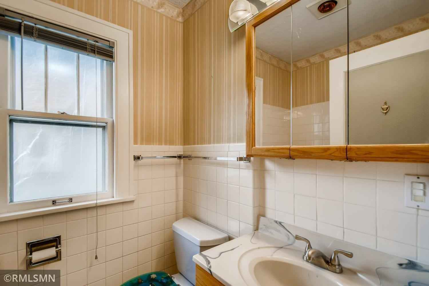 View 20 photos of this 2 bed, 2 bath, and 1,867 sqft. mobile home located at 4226 Vincent Ave N, Minneapolis, Minnesota 55412 is Active for $225,000.