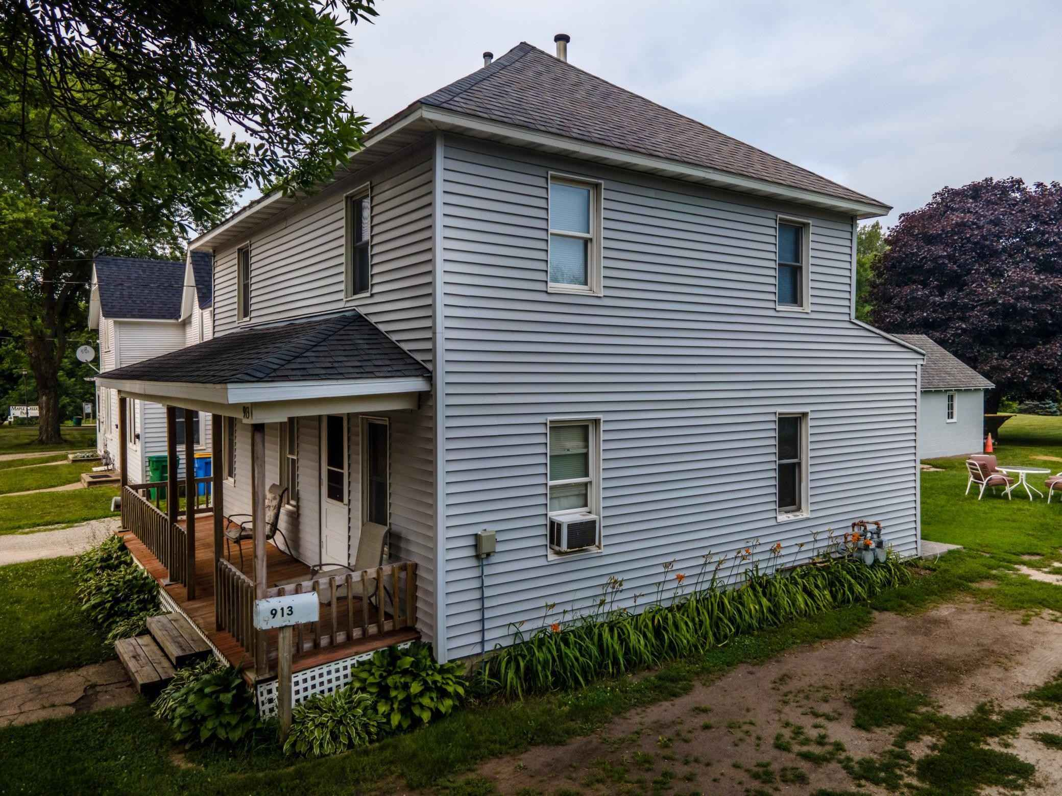 View 8 photos of this 3 bed, 2 bath, and 1,128 sqft. multi_family home located at 913 N Elm Ave, Owatonna, Minnesota 55060 is Pending for $199,900.