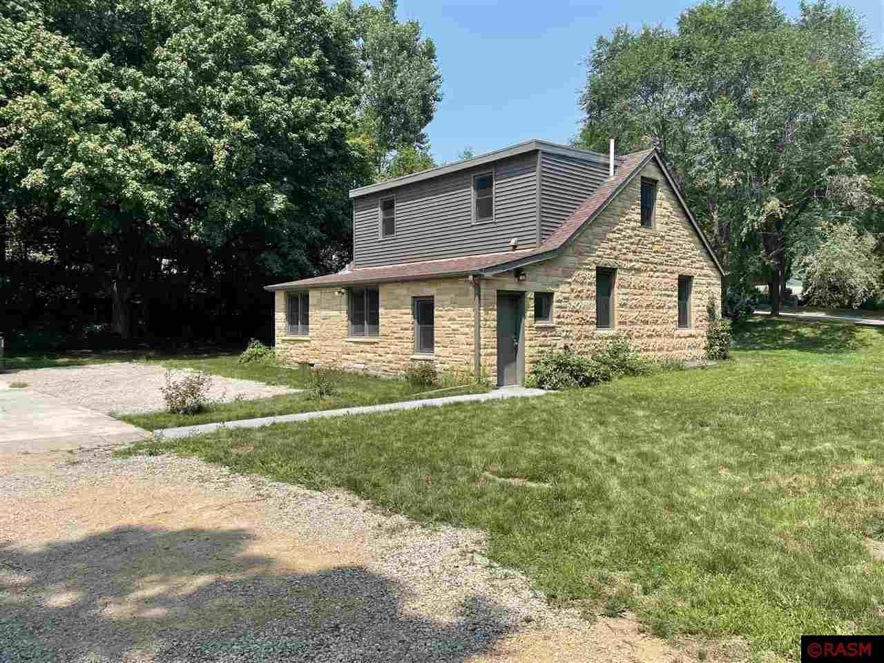 View 27 photos of this 4 bed, 2 bath, and 2,218 sqft. single_family home located at 704 Grace St, Saint Peter, Minnesota 56082 is Pending for $192,500.