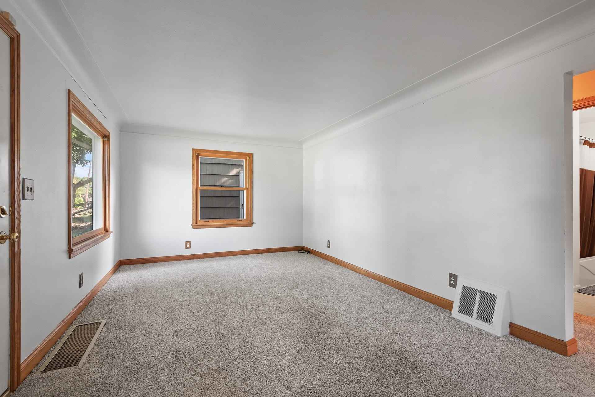 View 37 photos of this 3 bed, 1 bath, and 1,322 sqft. single_family home located at 5737 44th Ave S, Minneapolis, Minnesota 55417 is Active for $249,900.