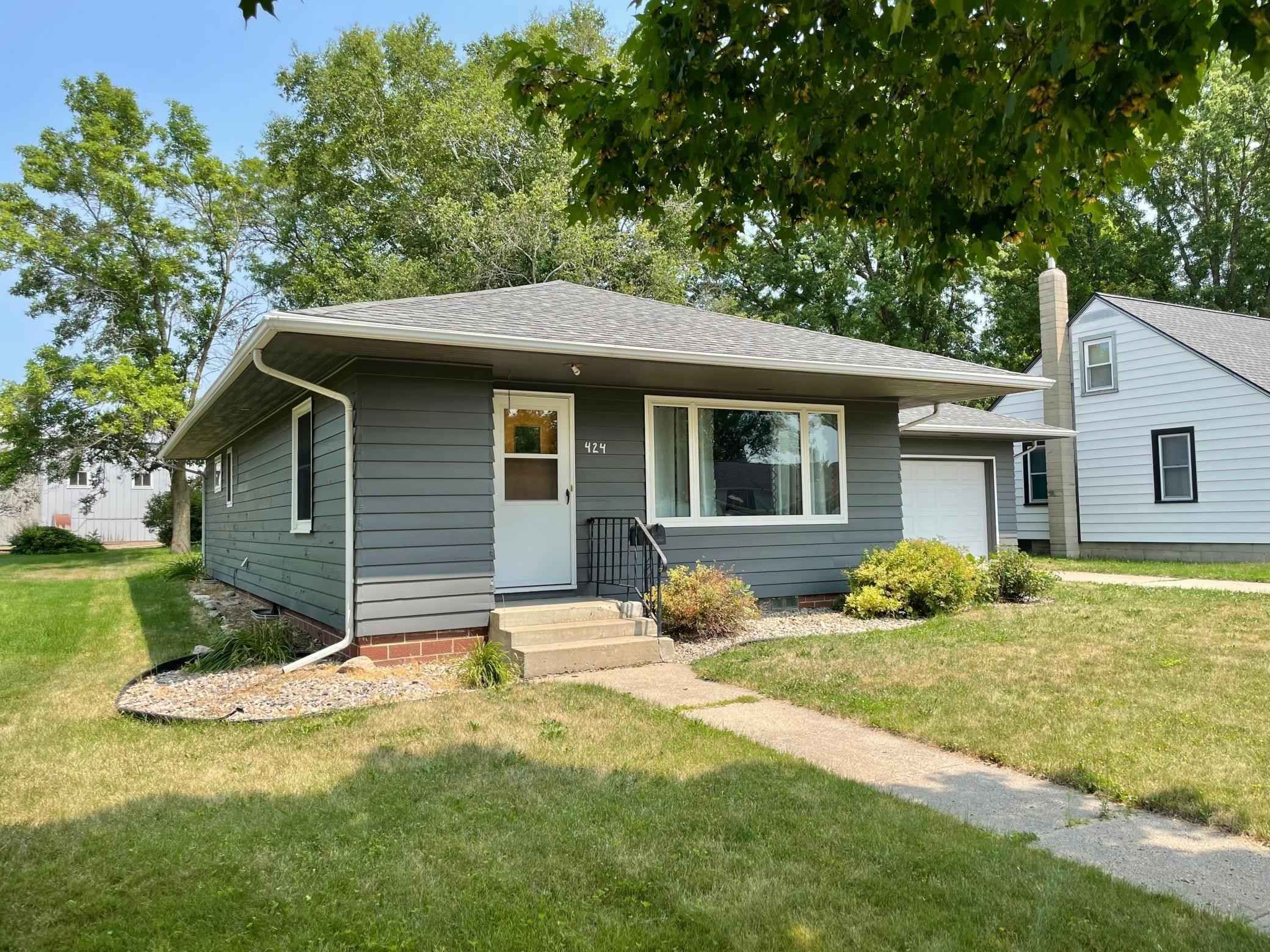 View 39 photos of this 3 bed, 2 bath, and 1,501 sqft. single_family home located at 424 W Sanborn St, Springfield, Minnesota 56087 is Active for $129,500.