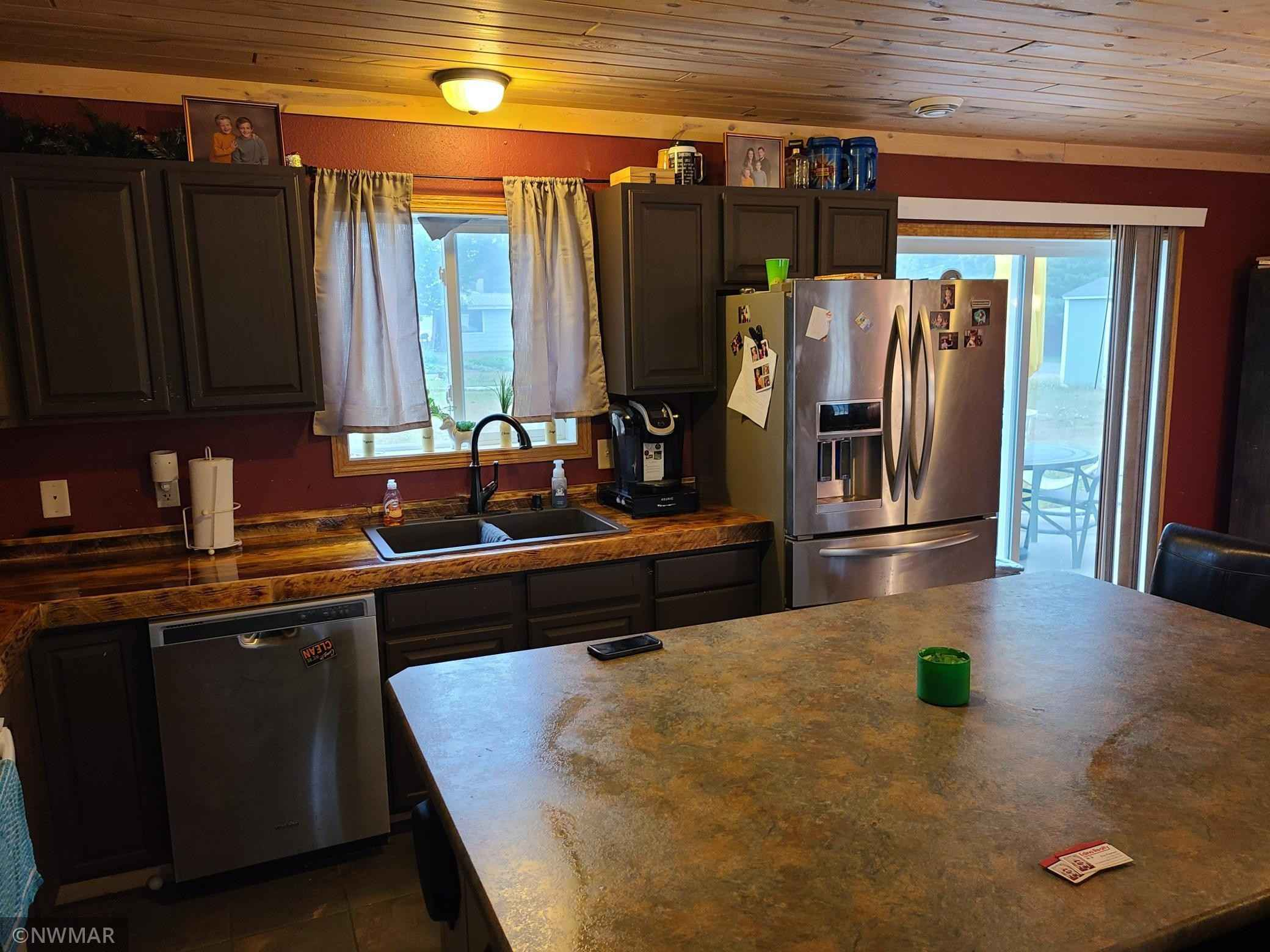 View 14 photos of this 3 bed, 2 bath, and 1,300 sqft. single_family home located at 328 Gould Ave SE, Bemidji, Minnesota 56601 is Active for $179,000.