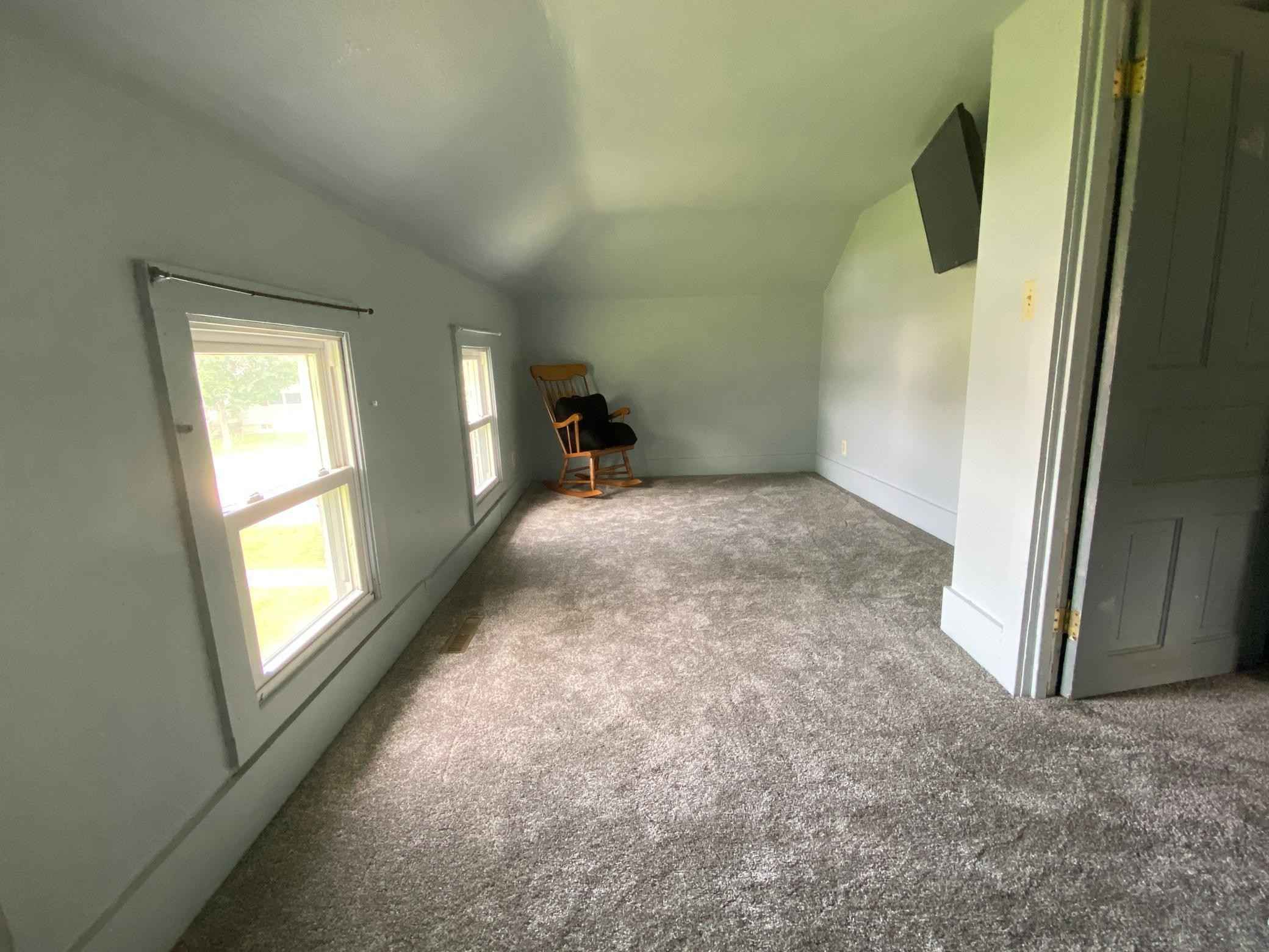 View 21 photos of this 2 bed, 2 bath, and 1,160 sqft. single_family home located at 216 E Read Ave, Le Roy, Minnesota 55951 is Active for $115,000.