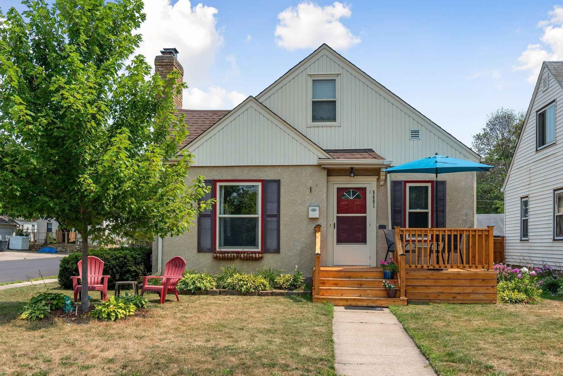 View 40 photos of this 3 bed, 2 bath, and 2,316 sqft. single_family home located at 5401 Nokomis Ave, Minneapolis, Minnesota 55417 is Active for $375,000.