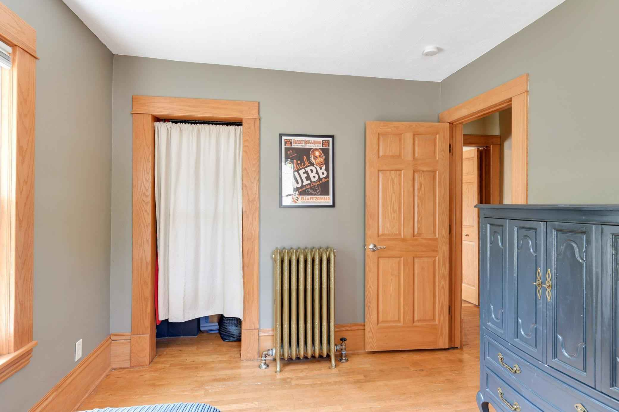 View 36 photos of this 5 bed, 2 bath, and 2,070 sqft. single_family home located at 4454 1st Ave S, Minneapolis, Minnesota 55419 is Active for $449,900.