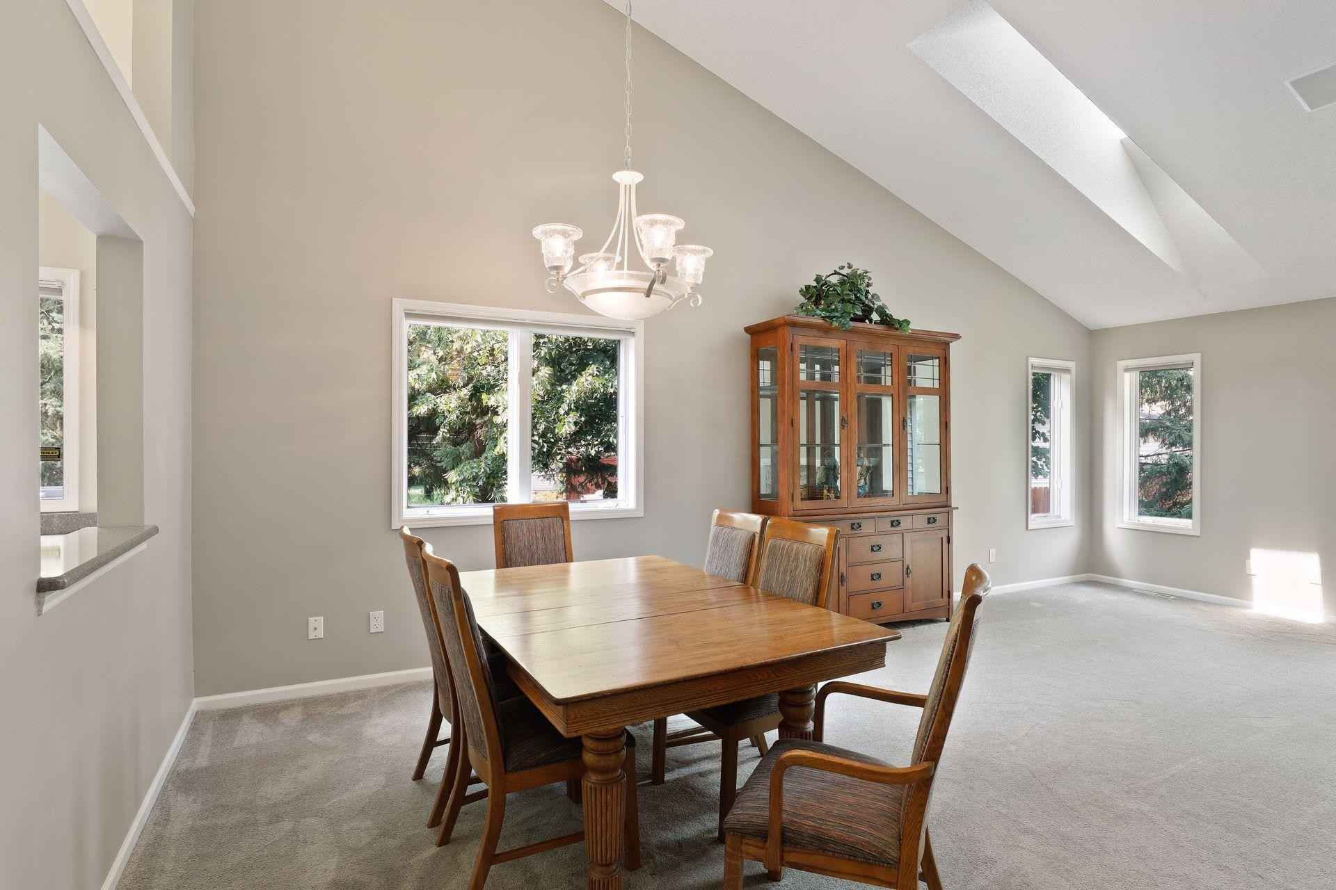 View 38 photos of this 3 bed, 3 bath, and 2,533 sqft. condo home located at 1180 Trenton Cir N, Plymouth, Minnesota 55441 is Active for $400,000.