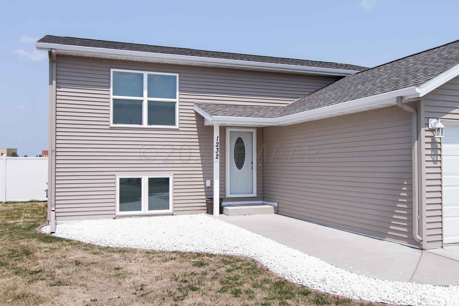 View 31 photos of this 5 bed, 2 bath, and 2,156 sqft. single_family home located at 1232 44th Ave S, Moorhead, Minnesota 56560 is Active for $222,300.