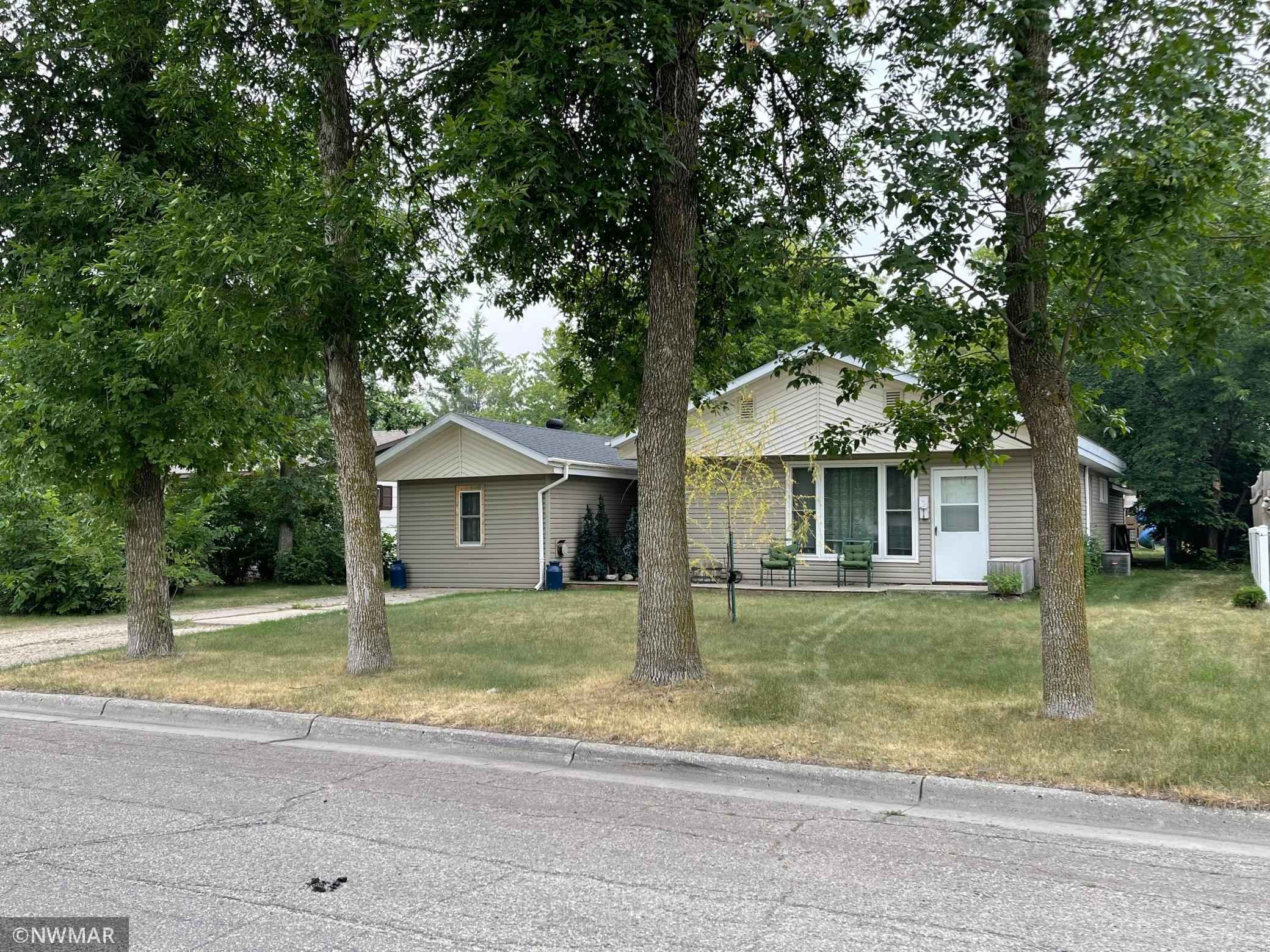 View 39 photos of this 3 bed, 1 bath, and 1,633 sqft. single_family home located at 519 State Ave N, Thief River Falls, Minnesota 56701 is Pending for $149,900.
