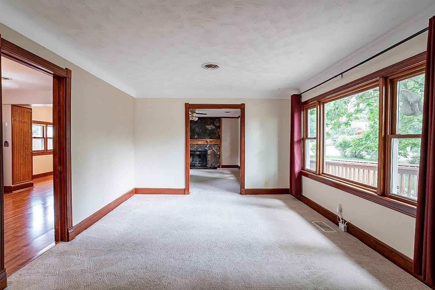 View 23 photos of this 4 bed, 2 bath, and 1,750 sqft. single_family home located at 415 Minnesota Ave, Roseville, Minnesota 55113 is Active for $340,000.