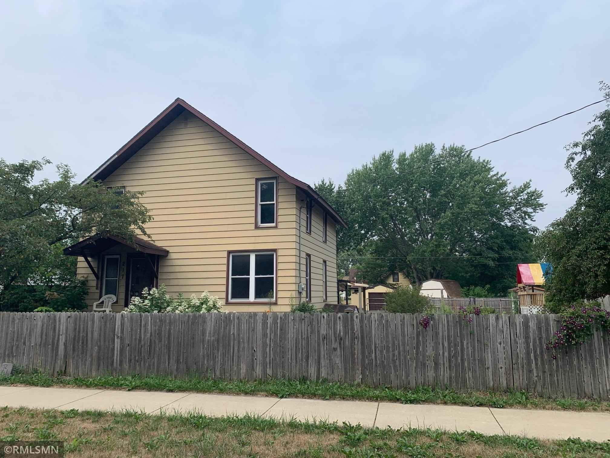 View 19 photos of this 2 bed, 3 bath, and 1,008 sqft. single_family home located at 217 30th Ave N, Saint Cloud, Minnesota 56303 is Active for $119,900.