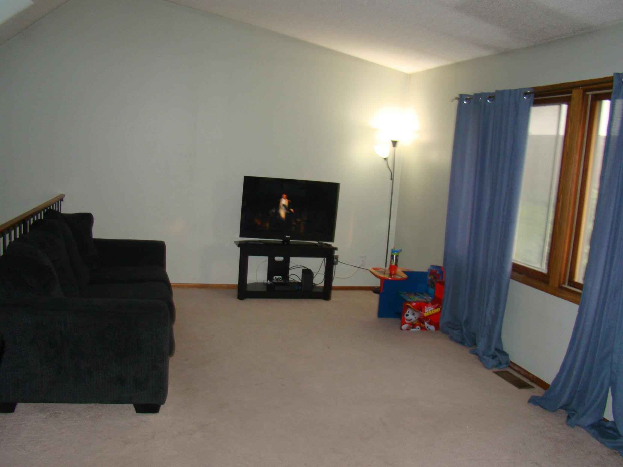 View 21 photos of this 3 bed, 2 bath, and 1,555 sqft. condo home located at 314 Pleasure Creek Dr, Blaine, Minnesota 55434 is Pending for $200,000.