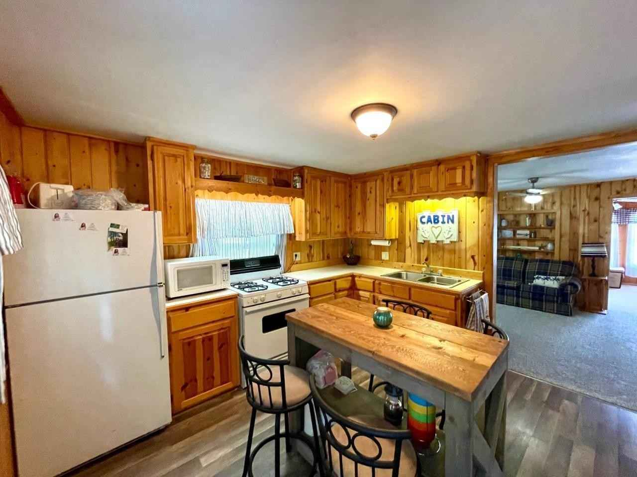View 19 photos of this 3 bed, 1 bath, and 875 sqft. single_family home located at 24534 Walworth Rd, Emily, Minnesota 56447 is Pending for $250,000.