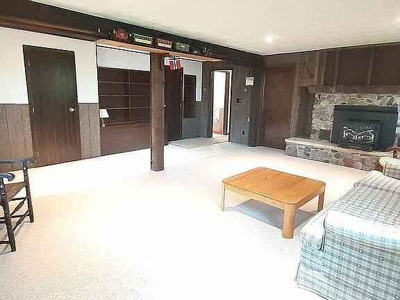 View 32 photos of this 3 bed, 2 bath, and 2,150 sqft. single_family home located at 79819 Blackbridge Rd, Jackson, Minnesota 56143 is Active for $325,000.