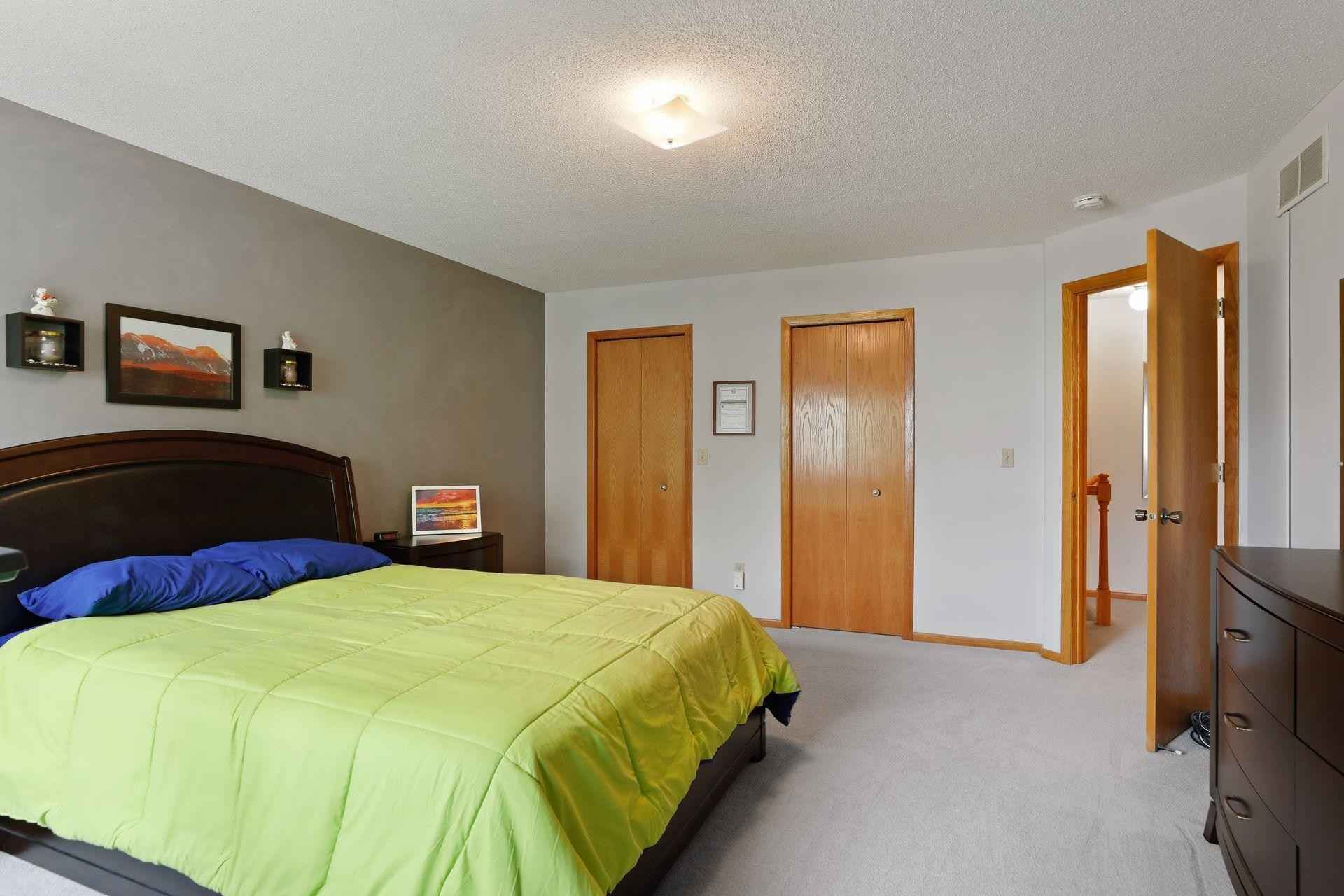 View 27 photos of this 2 bed, 2 bath, and 1,127 sqft. condo home located at 514 Lovell Ave Apt 6, Roseville, Minnesota 55113 is Pending for $220,000.