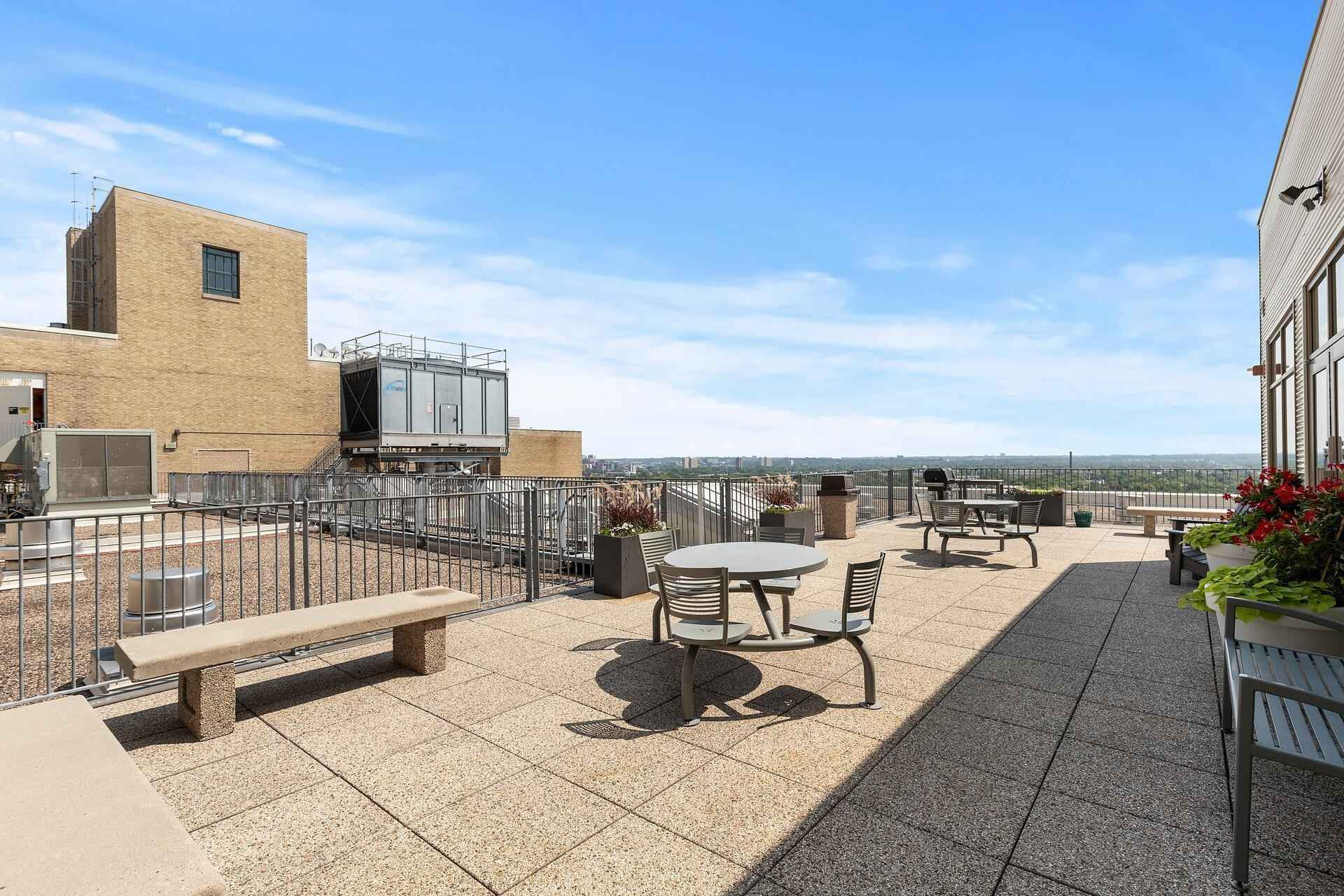 View 38 photos of this 2 bed, 1 bath, and 1,152 sqft. condo home located at 2929 Chicago Ave Unit 1212, Minneapolis, Minnesota 55407 is Active for $229,900.