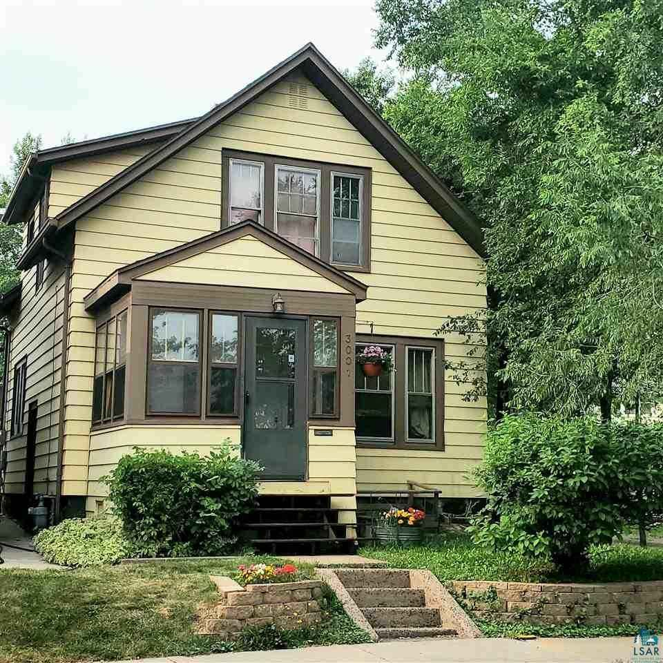 View 17 photos of this 3 bed, 1 bath, and 1,250 sqft. single_family home located at 3001 Vernon St, Duluth, Minnesota 55806 is ACTIVE for $164,900.