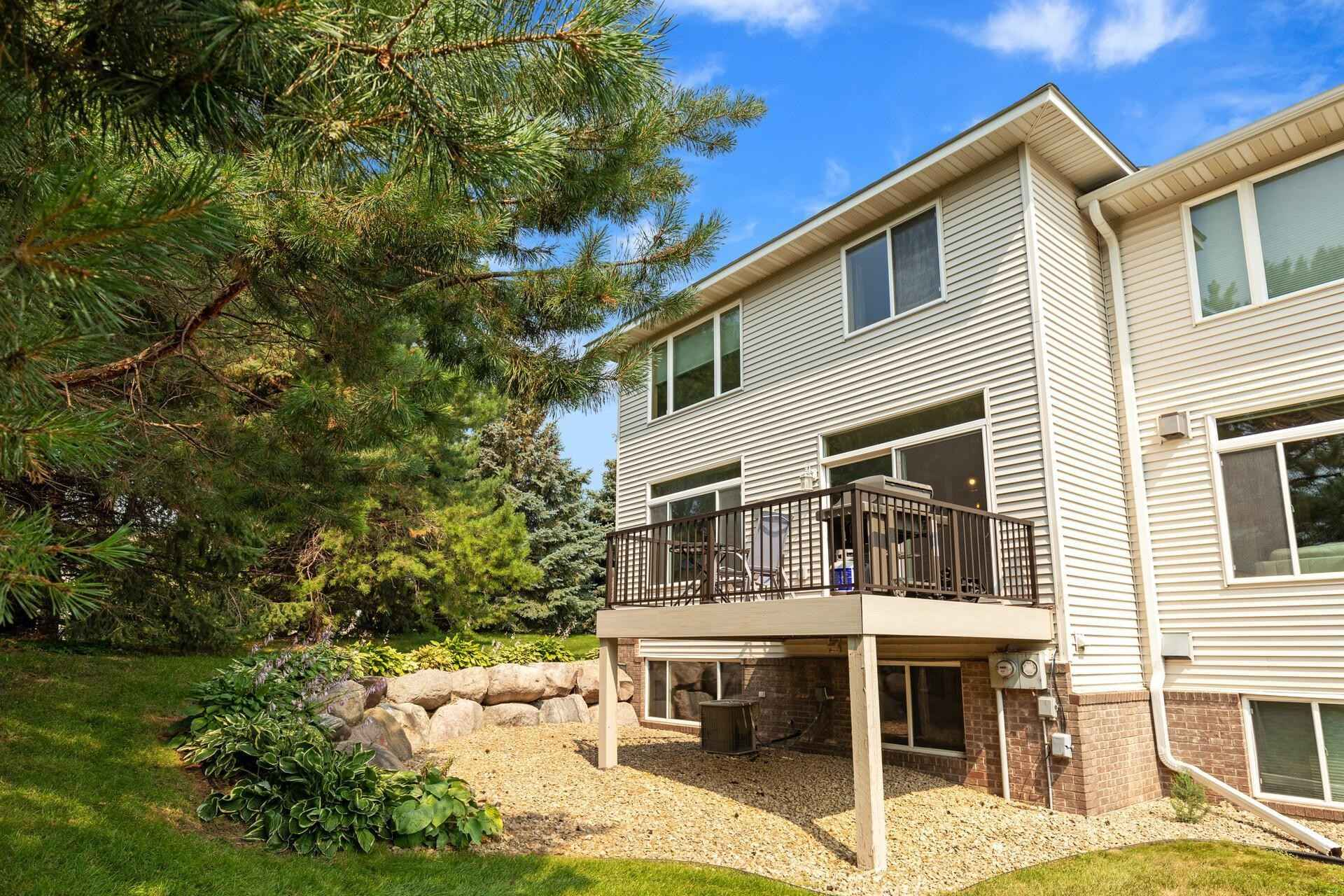 View 48 photos of this 3 bed, 4 bath, and 2,252 sqft. condo home located at 15389 Wilderness Ridge Rd NW, Prior Lake, Minnesota 55372 is Pending for $319,900.