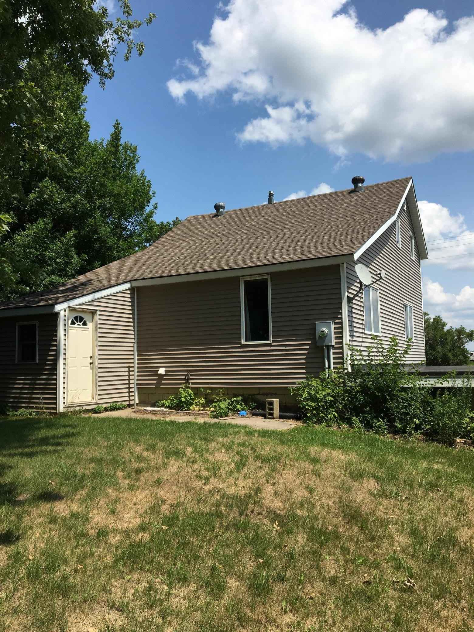 View 21 photos of this 3 bed, 2 bath, and 1,093 sqft. single_family home located at 11635 State Highway 22, Wells, Minnesota 56097 is Active for $110,000.
