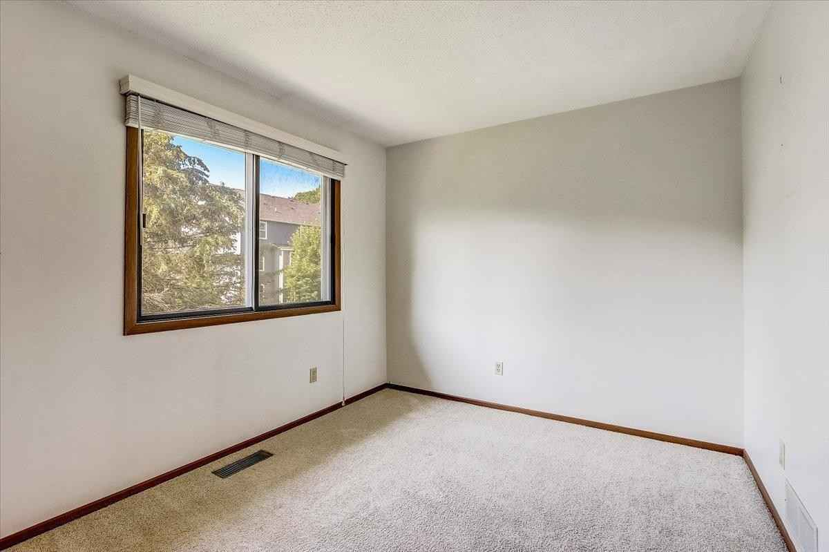 View 28 photos of this 2 bed, 1 bath, and 1,232 sqft. condo home located at 1196 W Royal Oaks Dr, Shoreview, Minnesota 55126 is Active for $187,400.