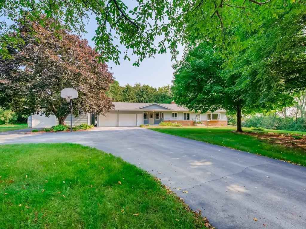 View 20 photos of this 4 bed, 2 bath, and 2,736 sqft. single_family home located at 1192 95th St SE, Delano, Minnesota 55328 is Pending for $385,000.