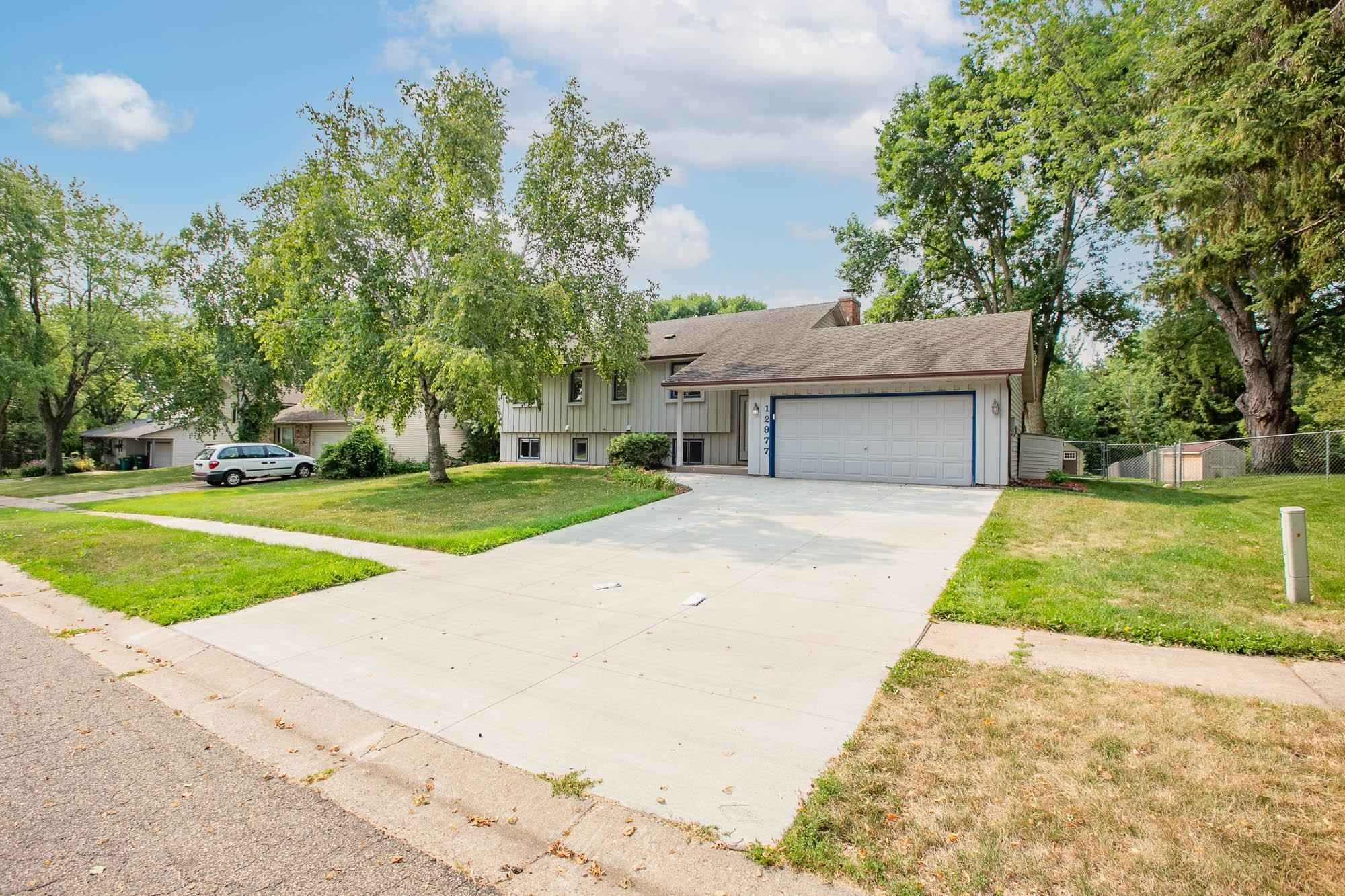 View 41 photos of this 5 bed, 2 bath, and 2,129 sqft. single_family home located at 12977 Finch Way, Apple Valley, Minnesota 55124 is Active for $396,900.