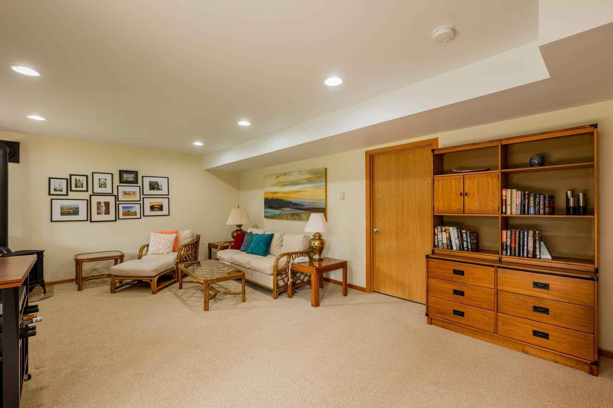 View 35 photos of this 3 bed, 3 bath, and 2,299 sqft. condo home located at 2119 Park Pointe Dr, Northfield, Minnesota 55057 is Active for $369,000.