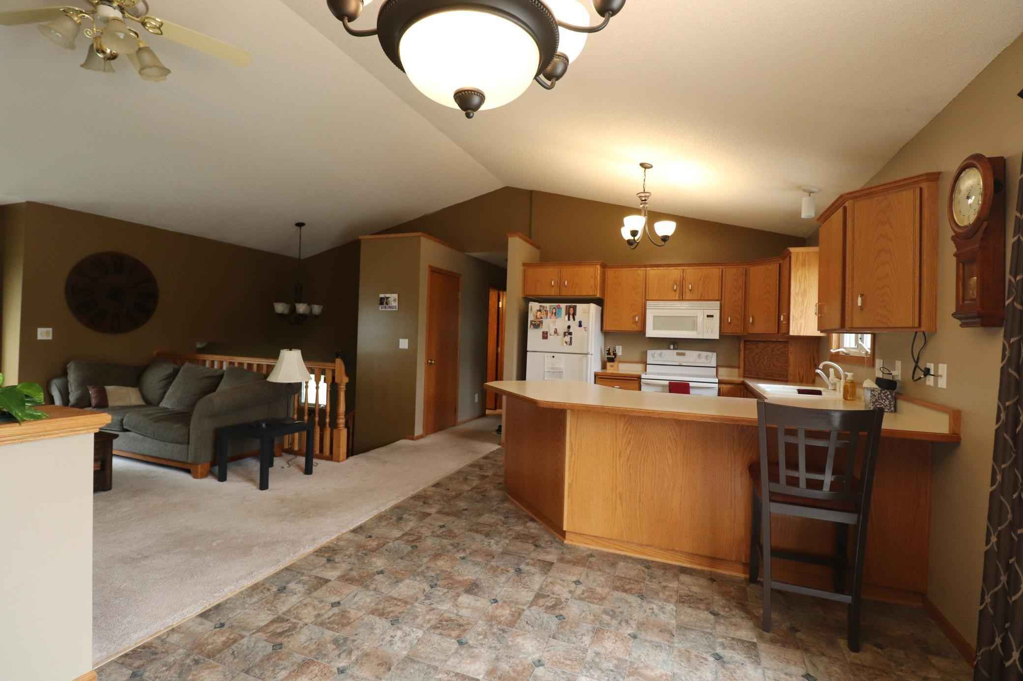 View 26 photos of this 4 bed, 2 bath, and 2,121 sqft. single_family home located at 1100 Lochmist Ln NW, Alexandria, Minnesota 56308 is Active for $275,000.