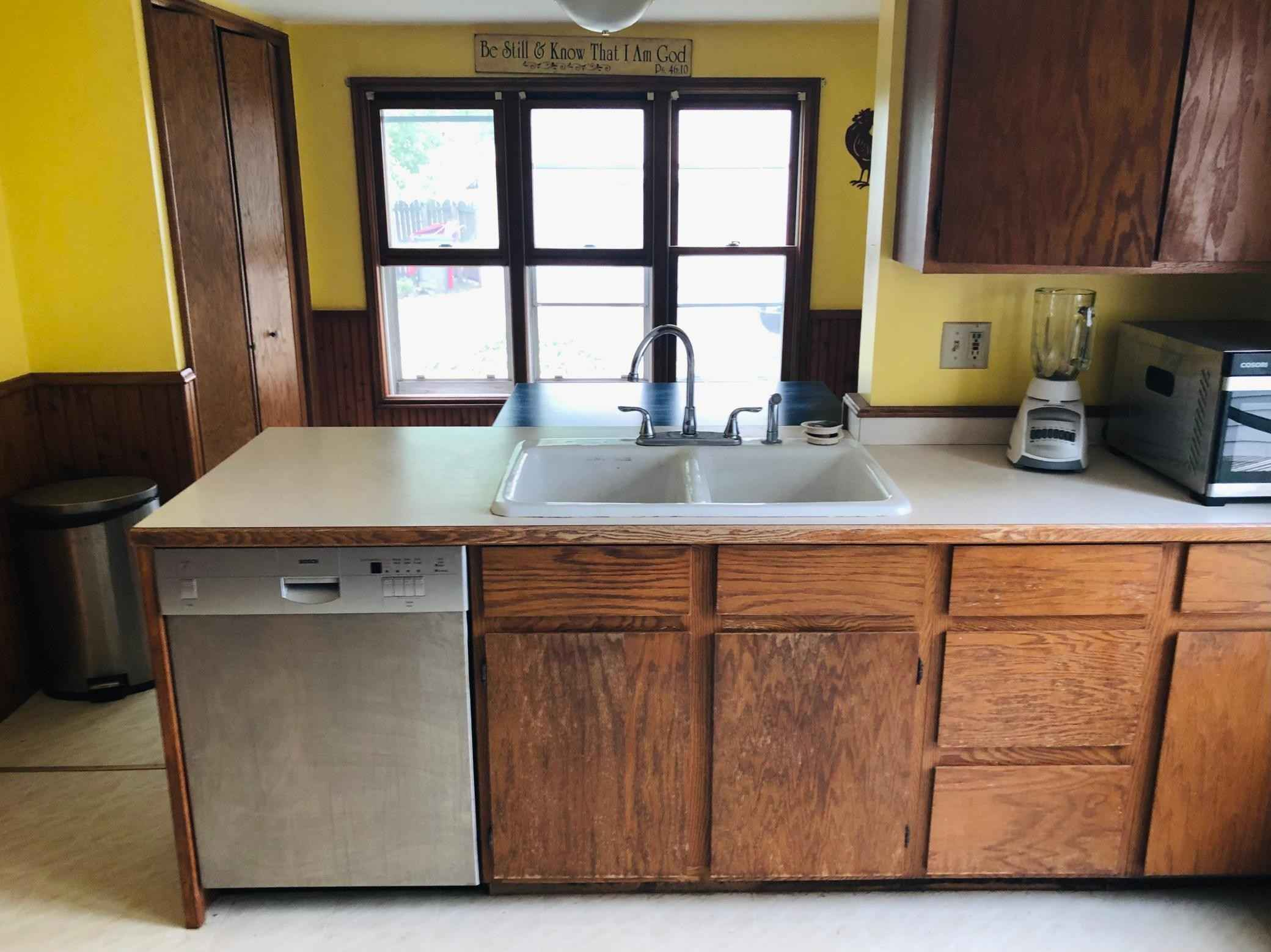 View 18 photos of this 4 bed, 3 bath, and 1,800 sqft. single_family home located at 311 Irving St, Alexandria, Minnesota 56308 is Active for $149,900.