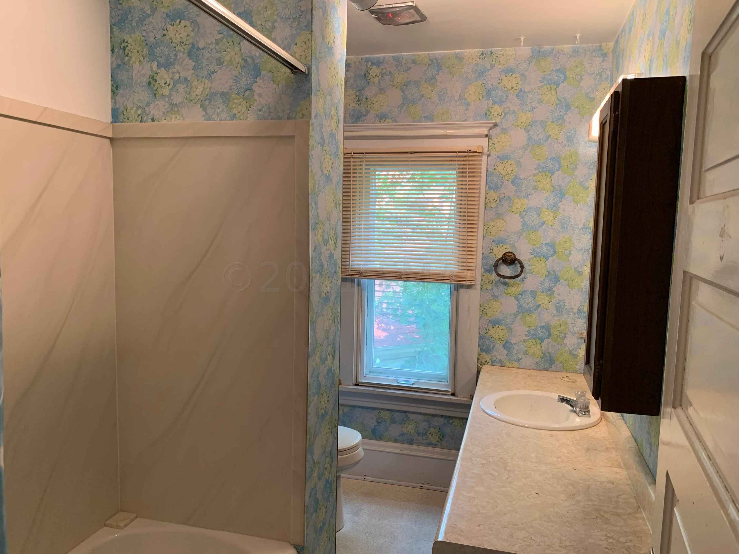 View 57 photos of this 5 bed, 3 bath, and 3,020 sqft. single_family home located at 621 9th St S, Moorhead, Minnesota 56560 is Active for $199,500.