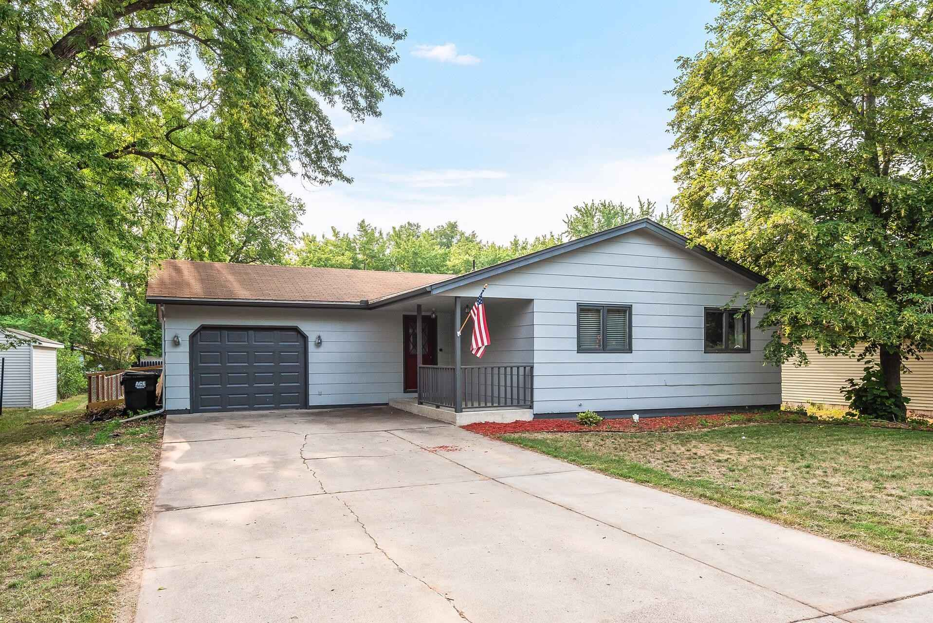 View 33 photos of this 4 bed, 2 bath, and 1,994 sqft. single_family home located at 1010 1/2 7th Ave N, Princeton, Minnesota 55371 is Pending for $259,000.