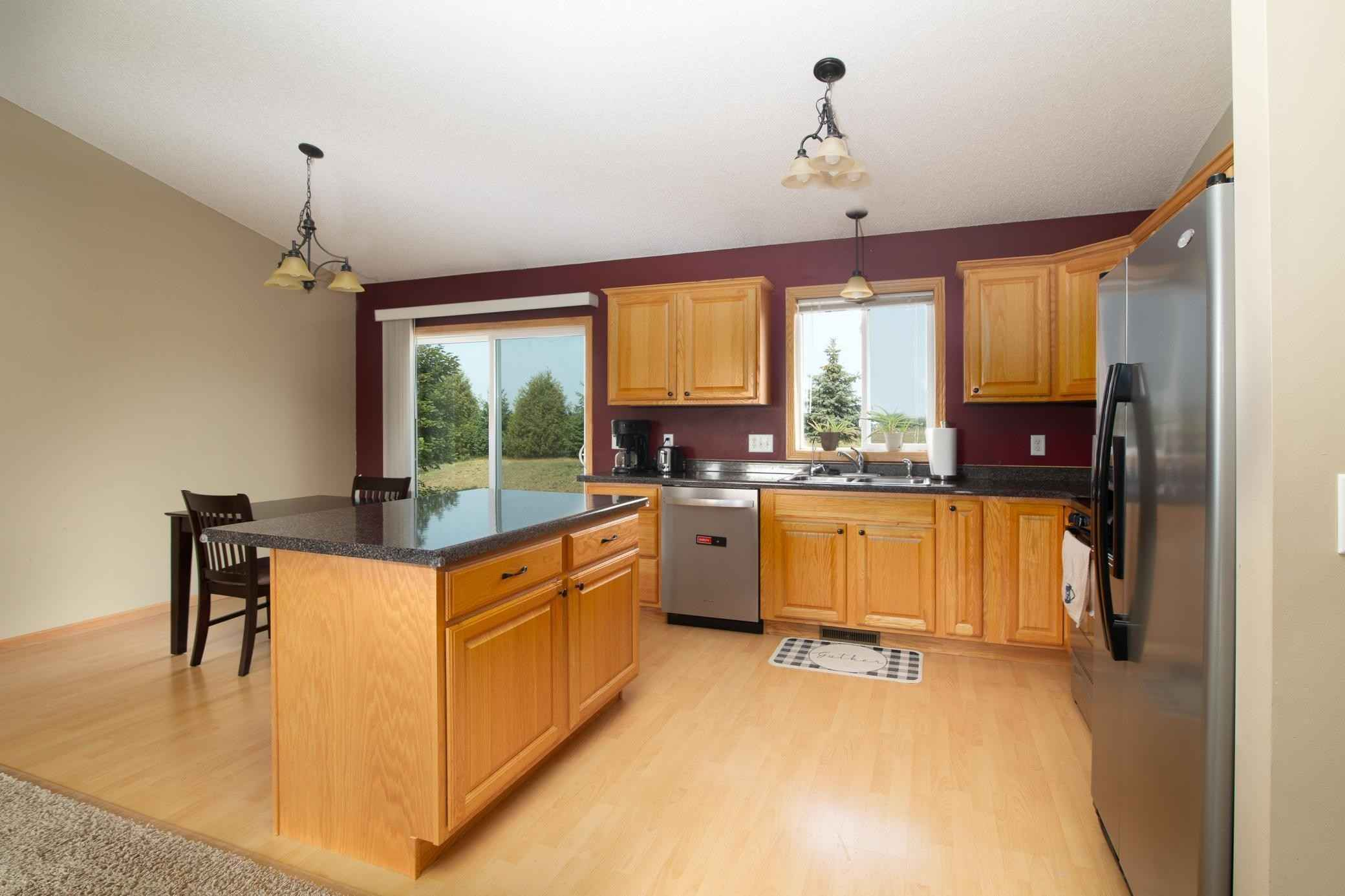 View 19 photos of this 2 bed, 1 bath, and 992 sqft. single_family home located at 536 Frankfort Way, Waverly, Minnesota 55390 is Pending for $224,900.