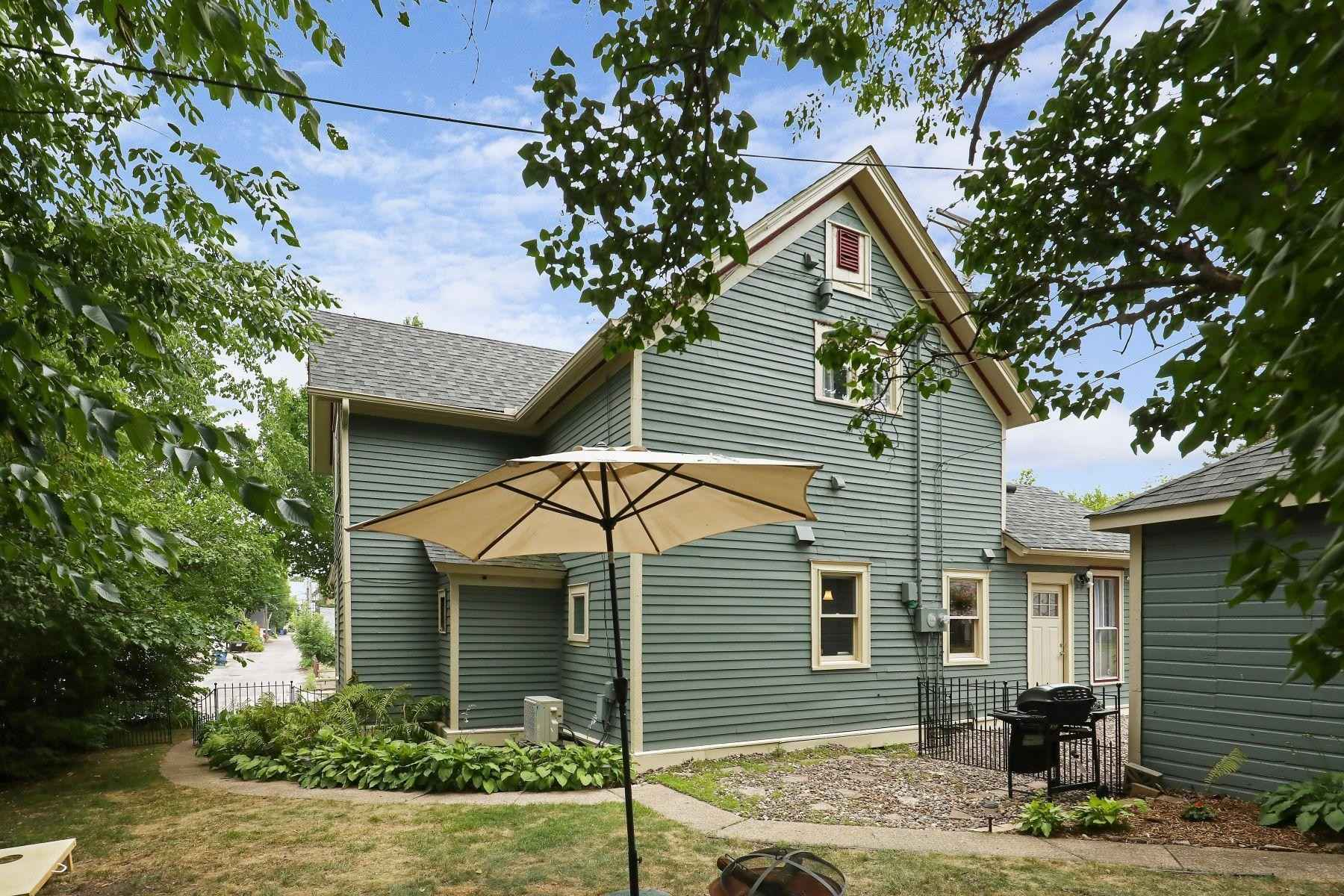 View 35 photos of this 3 bed, 2 bath, and 1,833 sqft. single_family home located at 49 Dale St N, Saint Paul, Minnesota 55102 is Active for $434,900.