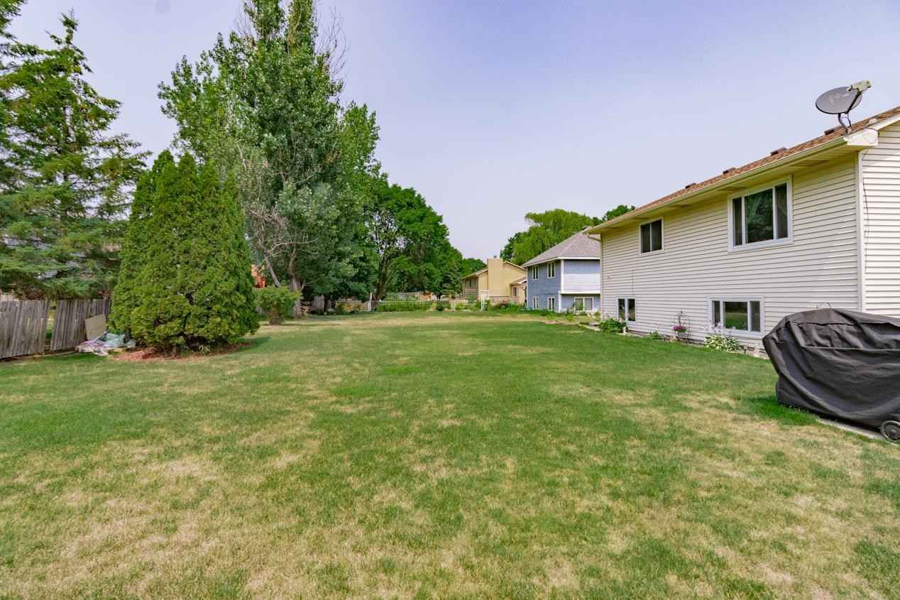 View 47 photos of this 3 bed, 2 bath, and 1,834 sqft. single_family home located at 2580 Hilo Ave N, Oakdale, Minnesota 55128 is Pending for $360,000.