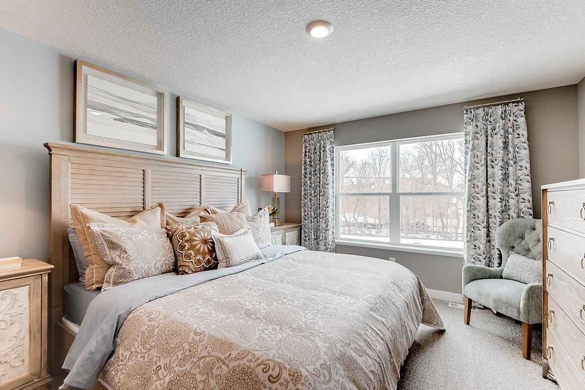 View 18 photos of this 4 bed, 3 bath, and 1,989 sqft. single_family home located at 2274 Amelia Trl, Shakopee, Minnesota 55379 is Active for $455,305.